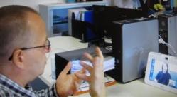 Béthune: à 57 ans, Henri, sourd et muet, a découvert le téléphone