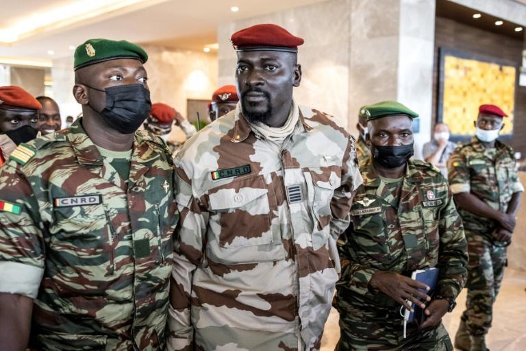 « Alpha Condé demeurera en Guinée » : les putschistes ne lâchent rien