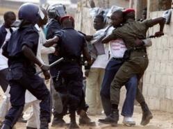 Quatre policiers arrêtés après la mort d'Ibrahima Samb.