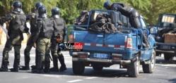 Front à l'UGB: Etudiants et forces de l'ordre s'affrontent.