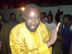 BAMBOULA AU 5e ANNIVERSAIRE DE L' APR : Macky 2012 dézingue Moustapha Cissé Lo
