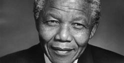 Décès de Mandela : Macky Sall décrète trois jours de deuil national.