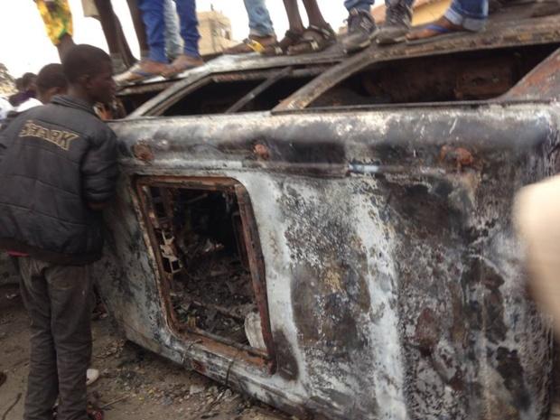 Guet Ndar : 3 véhicules incendiés.