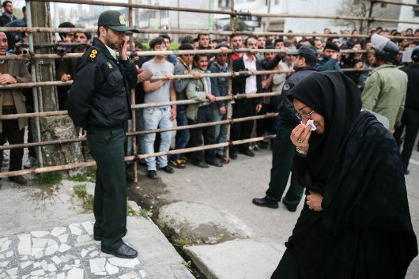 """Les gens ont applaudi, certains pleuraient. """"Tout le monde, ma famille et mes amis, faisait pression pour que j'accorde mon pardon"""", a-t-elle expliqué au journal local """"Shargh"""".  © AFP"""