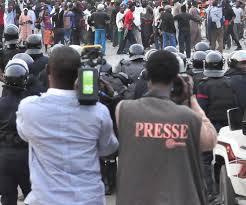 Urgent: Les journaliste pris en otages par les gendarmes