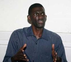 Ansoumana Dione cherche des moyens pour tenir le meeting des malades mentaux errants :
