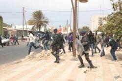 Ucad : Les forces de l'ordre mettent fin à l'AG des étudiants non admis en Master