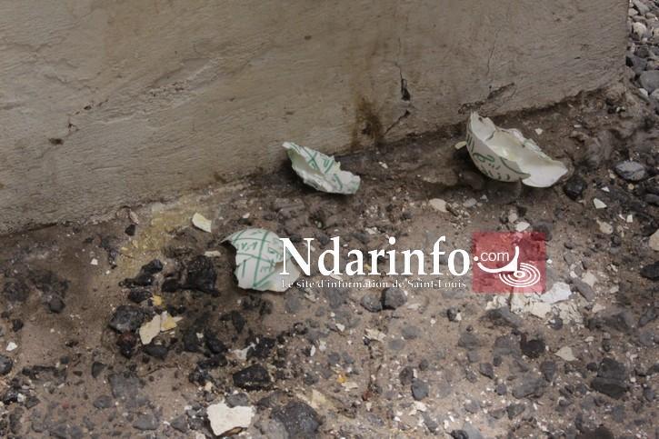 SORCELLERIE : des œufs cassés, trouvés sur les 4 murs de Mairie de Saint-Louis.