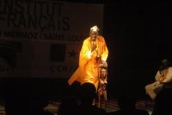 """« Théâtralisation de la ville de St-Louis dans les romans : une contamination des genres » - Par Papa Samba SOW """"Zoumba"""""""