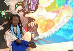 TOILE - En hommage au défunt Charles Camara : L'artiste Iba Ndiaye peint l'arbre du souvenir.