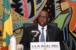 La mémoire balafrée par les énormités de Mbagnick Ndiaye : Macky Sall interdit aux militants d'assister désormais aux cérémonies de passation de servic
