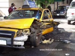 """SAINT-LOUIS - ACCIDENT DE VOITURE : Télescopage """"extraordinaire' de deux taxis à Pikine """"Takk"""""""