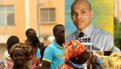 Manifestation en soutien à Karim Wade, à Dakar, le 8 octobre 2013.AFP PHOTO SEYLLOU