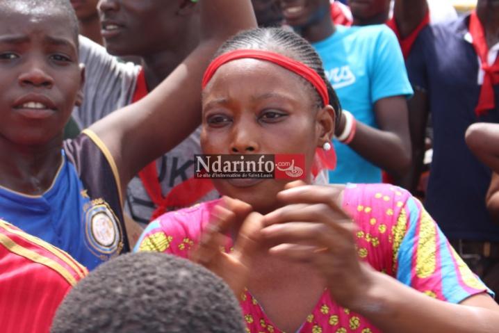 VIDEO - Pénurie d'eau à Pikine/Saint-Louis : les populations bloquent la Rn2 et s'en prennent à Mansour FAYE.
