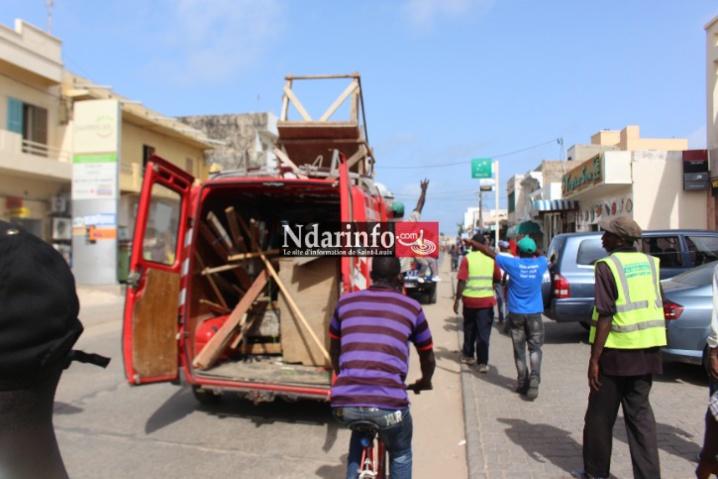 Direct : opération de déguerpissement des marchands ambulants sur l'avenue Général de Gaulle (photos- vidéo)