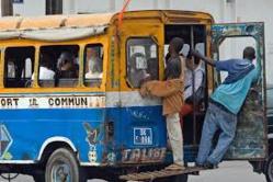 URGENT: Un car rapide percute un enfant à Pikine Diokoul.