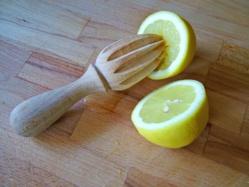 Pourquoi boire de l'eau chaude et du citron le matin ? + ses bienfaits