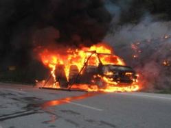 SAINT-LOUIS – GRAVE INCENDIE A DAROU: Une vingtaine de véhicules brulés.