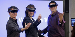 Microsoft dévoile ses lunettes de réalité augmentée