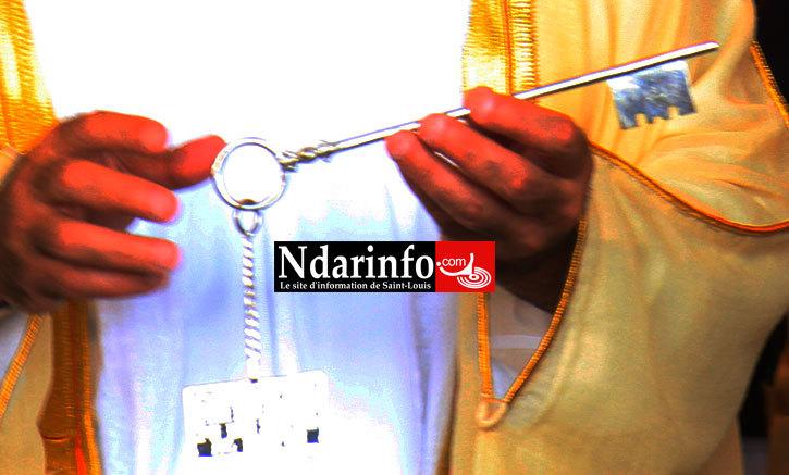 La clef de Saint-Louis entre les mains de Khalifa ben Zayed Al Nahyanen