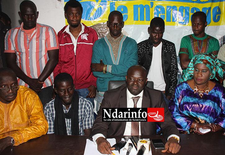 Braya FALL entouré des ex-militants de l'APR proches de Mbaye NDIAYE