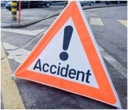 ACCIDENT: un taxi percute un motard à la sortie de Bango.