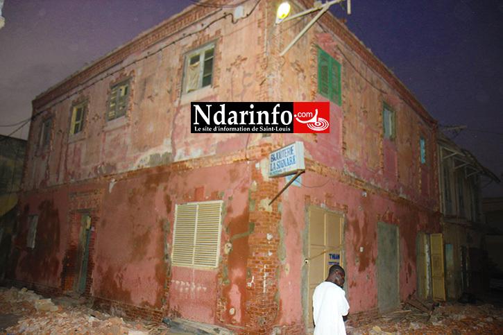 DESTRUCTION DU PATRIMOINE SAINT-LOUISIEN: un immeuble d'intérêt architectural en démolition, sans autorisation.