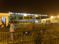 Le Dage du ministre Mansour Faye perd un sac contenant 22 millions FCFA au parking de l'aéroport de Dakar