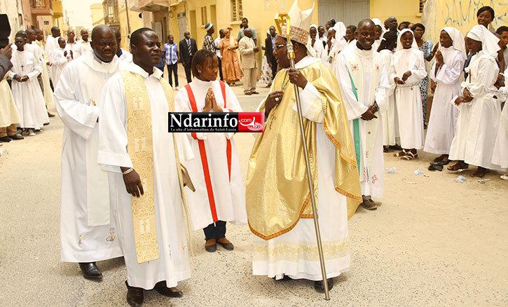 Délabrement avancé de la cathdrale de Saint-Louis : l'abbé Ferdinand Sambou interpelle Mansour FAYE.