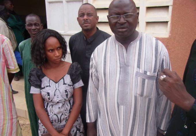 Amadou Tidiane Ndiaye, le maire de la Commune de Ronkh  et Fatimata KA, responsable du programme social de Senhuile