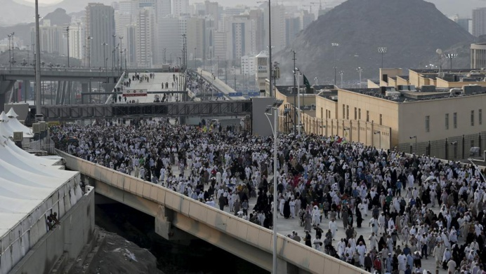 Des pèlerins à Mina, près de La Mecque, où 717 personnes dont 131 Iraniens ont trouvé la mort dans une bousculade jeudi 24 septembre 2015. REUTERS/Ahmad Masood
