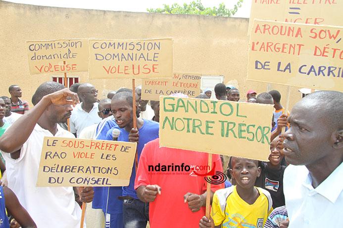 PRÉSUMÉE NÉBULEUSE FONCIÈRE À GANDIOL : les populations ont manifesté, ce matin (vidéo).