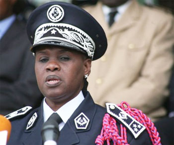 Police: Anna Sémou Faye remplacé.
