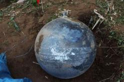 Aucune matière radioactive ou explosive n'a été retrouvée sur ces trois sphères métalliques. © afp.