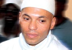 Depuis sa cellule, Karim Wade appelle à voter « NON ».