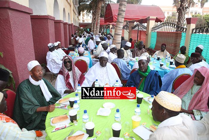 (PHOTOS) NDOGOU DU MAIRE AVEC LES IMAMS : 3 billets pour la Mecque à l'AIUS.