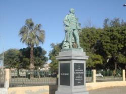 Saint-Louis : Faut-il déboulonner la statue de Louis Faidherbe ?