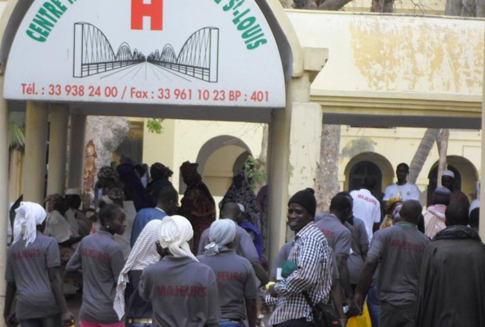 ACTION SOCIALE : le Mouvement d'Action des Jeunes pour la Réussite des Saint-louisiens au chevet des nécessiteux.