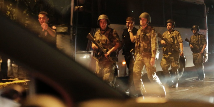 TURQUIE:  «Il s'agit de 46 officiers. Certains sont déjà arrêtés. Le reste le seront également»