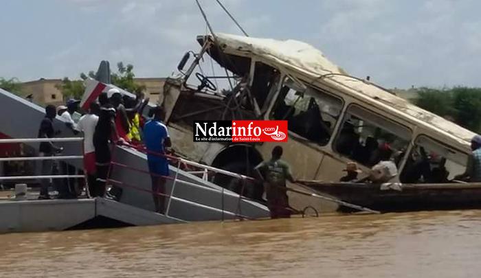 (Photos) Naufrage à Rosso: le bus renfloué, le corps d'un des bébés, retrouvé.