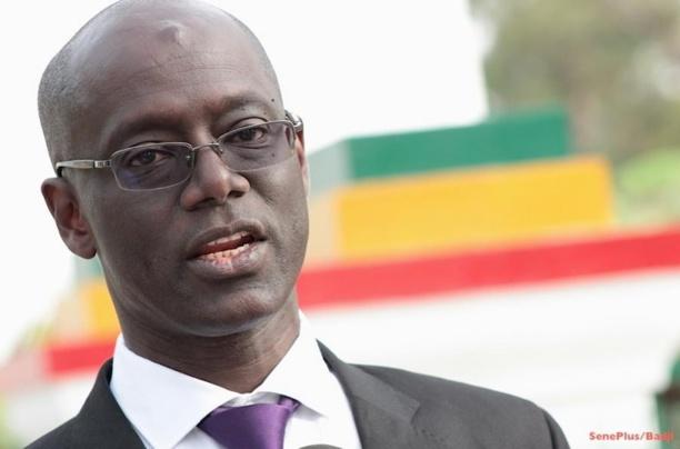 Saint-Louis : Thierno Alassane SALL anime une conférence sur la découverte du pétrole et du gaz et ses perspectives, à l'Ugb.