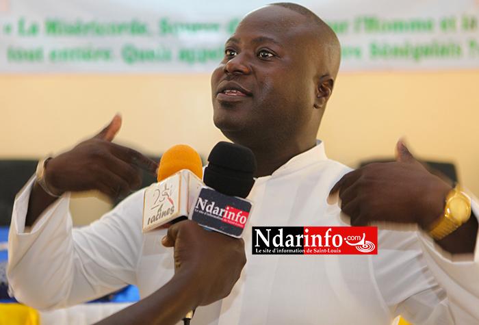 Interpellé par l'Imam Abdoulaye CISSE sur l'interdiction du voile au collège Didier Marie: l'Abbé Ferdinand SAMBOU réagit (vidéo)