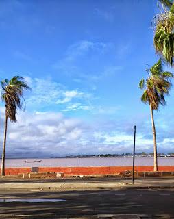 Saint - Louis, la ville bleue. Par Bassirou DIAGNE, CRDS ex IFAN