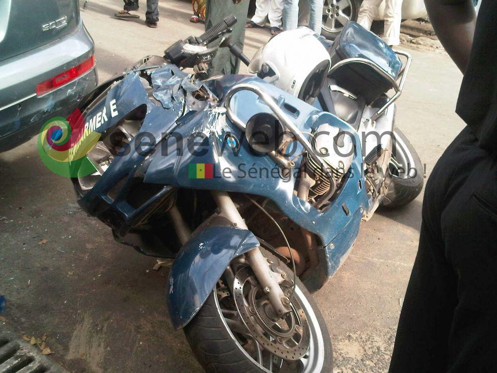 Saint-Louis : Un motard de la garde présidentielle dérape et se blesse.