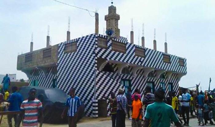 Urgent - Guet-Ndar : un important dispositif policier encadre la démolition des  mosquées.