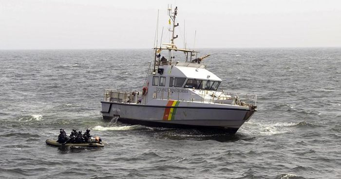 Saint-Louis : une vedette de la marine pour empêcher la traversée de la brèche par les pêcheurs