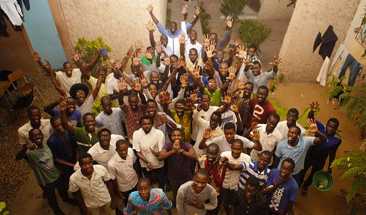 UGB de Saint-Louis : la belle initiative des anciens du G5D (vidéo – photos)