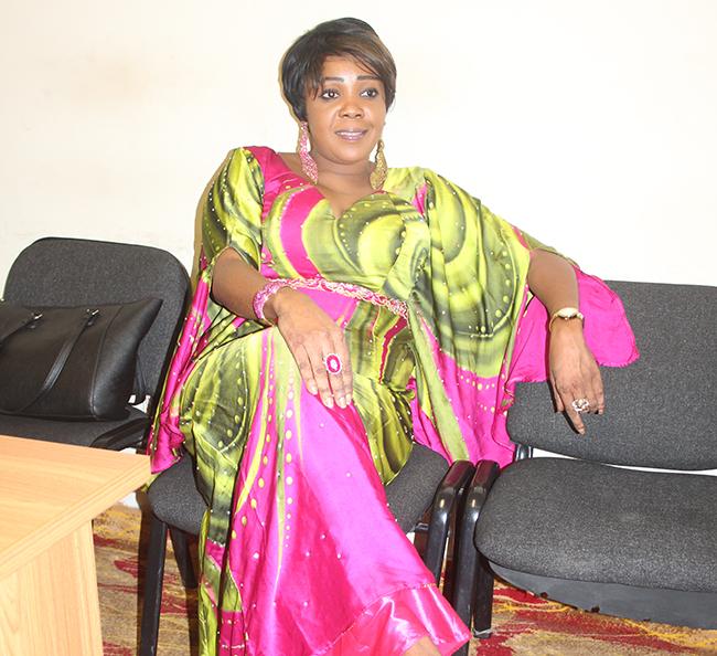 """Aminata Diouf Yade alias Aminata Khass, artiste et greffière au Tribunal : """" pourquoi j'ai chanté Golbert DIAGNE """""""
