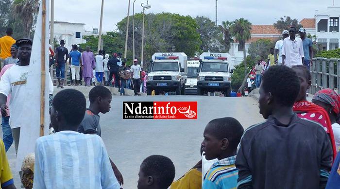 Colère sur la Langue de Barbarie : des populations barrent la route. La police intervient.