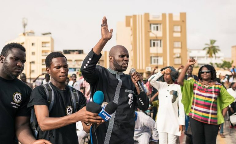 Kemi Seba appelle les Africains à assiéger toutes les ambassades de la Libye
